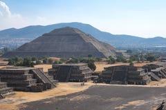 Pirâmides de Teotihuacan Fotografia de Stock