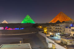 Pirâmides som e mostra da luz, Giza, Egito foto de stock royalty free
