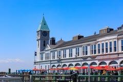 Pir ett hamnhus Lokaliserat, var batteriet parkerar, möter Hudson River Royaltyfria Bilder
