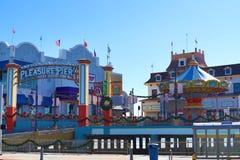 Pir för nöje för Galveston ö som historisk dekoreras för jul royaltyfria bilder