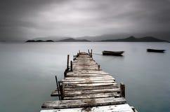 Pir och fartyg Fotografering för Bildbyråer