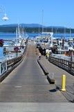 Pir på den fredag hamnen i staten Washington Royaltyfria Foton