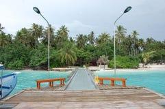 Pir på den Kuda Bandos ön Maldiverna Royaltyfri Fotografi