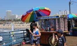 Pir på den Santa Monica stranden, Kalifornien Royaltyfria Bilder