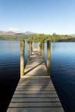 Pir på Derwent vatten i Lakeområde Royaltyfria Bilder