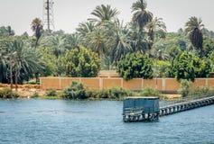 Pir på kusten av Nilet River egypt arkivbild