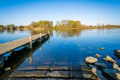 Pir på Merritt Point Park, i Dundalk, Maryland Arkivbilder