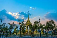 A pira funerária fúnebre real para o rei Bhumibol Adulyadej imagens de stock royalty free