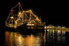 Piraatboot bij nacht, Cancun, Mexico royalty-vrije stock foto