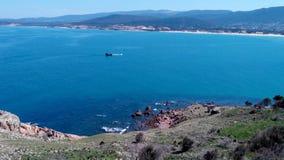 Piraatboot over de oceaan van tabarka Stock Foto