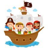 Piraatjongens en meisjes die op een schip bij het overzees varen royalty-vrije illustratie