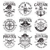 Piraci ustawiają wektorowi roczników emblematy, odznaki lub royalty ilustracja