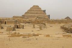 piramida nadepnął antyczni ostrosłupy Egipt Siódmego cud świat Antyczni megality Obrazy Royalty Free