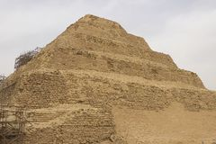 piramida nadepnął antyczni ostrosłupy Egipt Siódmego cud świat Antyczni megality Fotografia Royalty Free