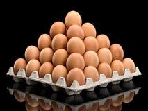 Piramide dalle uova marroni Fotografia Stock