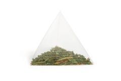 Piramide della bustina di tè isolata fotografia stock libera da diritti