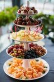 Piramide della frutta fresca Immagini Stock Libere da Diritti