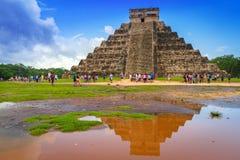 Piramide di Kukulkan in Chichen Itza, Messico Immagine Stock