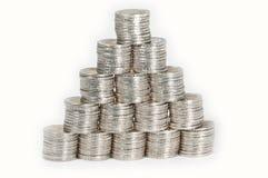 Piramide die aut van 2 Euro muntstukken wordt gemaakt Stock Afbeeldingen