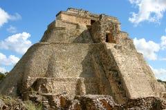 Piramide mayan di vista frontale Fotografie Stock Libere da Diritti