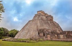 Piramide van de Tovenaar in Uxmal, Yucatan, Mexico Stock Afbeelding