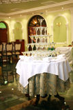 Piramide van glazen wijn, champagne Royalty-vrije Stock Foto's