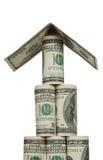 Piramide van honderd dollarsrekeningen met een dak Stock Afbeelding
