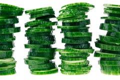 Piramide van plakken van komkommer Frame met exemplaarruimte Conceptenart. Patroon Stock Foto's