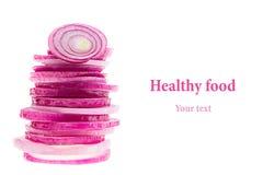 Piramide van plakken van roze ui Voorwerp met exemplaarruimte Conceptenart. De achtergrond van het voedsel Geïsoleerde Royalty-vrije Stock Foto