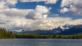 Piramidemeer Jasper National Park, Alberta, Canada stock foto's