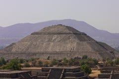 Piramides de Teotihuacan Imágenes de archivo libres de regalías