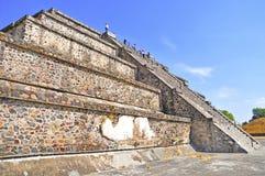 Piramides op Weg van de Doden, Teotihuacan, Mexico Stock Afbeelding