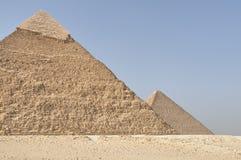 Piramides, tweede het grootst met de grote piramide stock afbeeldingen