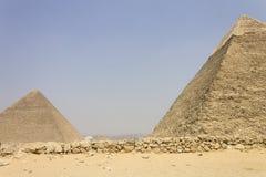 Piramidi di Khufu e di Khafre Fotografia Stock Libera da Diritti