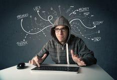 Pirata informático joven con la línea dibujada blanca pensamientos Fotografía de archivo