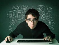 Pirata informático joven del empollón con el virus y pensamientos el cortar Foto de archivo libre de regalías