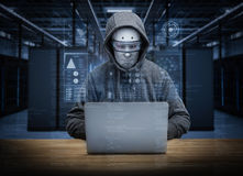 Pirata informatico del robot di umanoide Fotografia Stock
