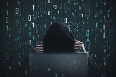 Pirata informatico, zeri ed un, computer portatile, nero Fotografie Stock