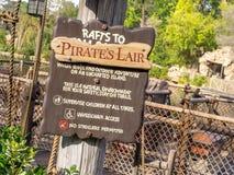 Pirata Lair w Adventureland przy Disneyland parkiem Obraz Stock