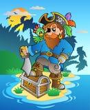Pirata que se coloca en pecho en la isla Imagen de archivo libre de regalías