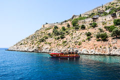 Pirata statek przy plażą Cleopatra Zdjęcie Royalty Free
