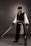 Pirata vestito uomo attraente per Halloween Immagine Stock