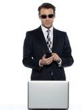 Pirataria do cabouqueiro do homem do Internet Foto de Stock