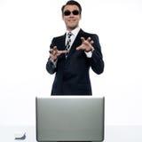 Pirataria do Internet do cabouqueiro de computador do homem Fotos de Stock Royalty Free