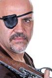Pirate barbu terrible avec un mousquet photo libre de droits