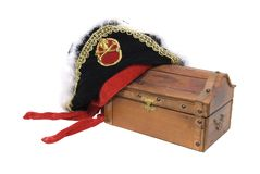 Pirate hat and treasure chest Stock Photography