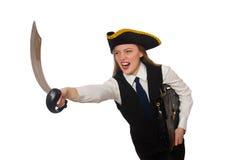 Piratee la muchacha que sostiene el bolso y la espada aislada encendido Fotografía de archivo libre de regalías