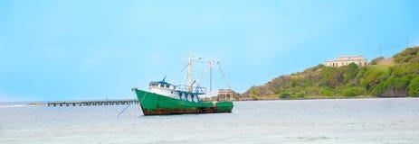 Piraten-Boot auf den Karibischen Meeren Lizenzfreies Stockbild