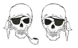 Piratenschädel mit Pfeife und Augenklappe Stockbilder