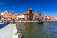 Piratenschiff in dem Motlawa-Fluss in Gdansk Lizenzfreies Stockbild